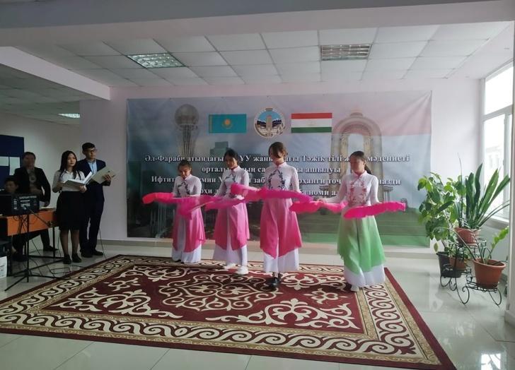 v-preddverii-dnya-gosudarstvennogo-yazyka-v-kazahstane-uchrezhden-centr-tadzhikskogo-yazyka-i-kultury_1
